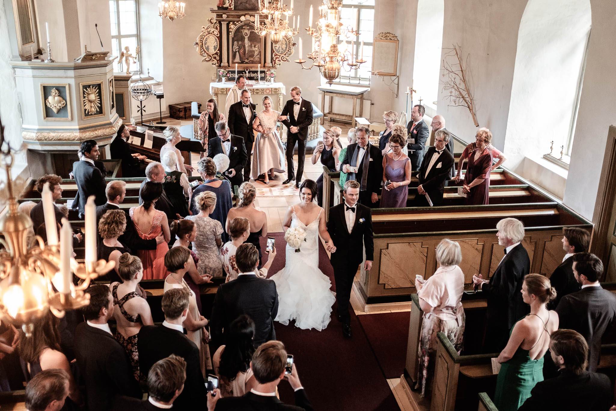 Click to enlarge image linnchristin-andreas-hallsnas-ottossonphoto-1018.jpg