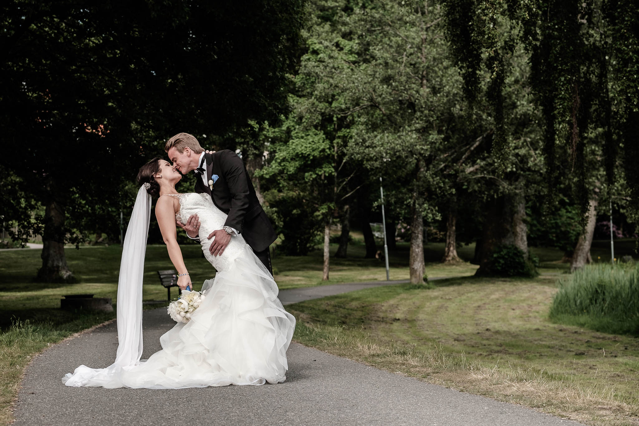 Click to enlarge image linnchristin-andreas-hallsnas-ottossonphoto-1022.jpg