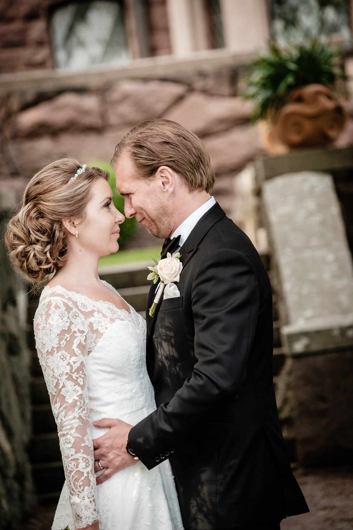 Click to enlarge image hanna&andreas-tjoloholmsslott-ottossonphoto-1030.jpg