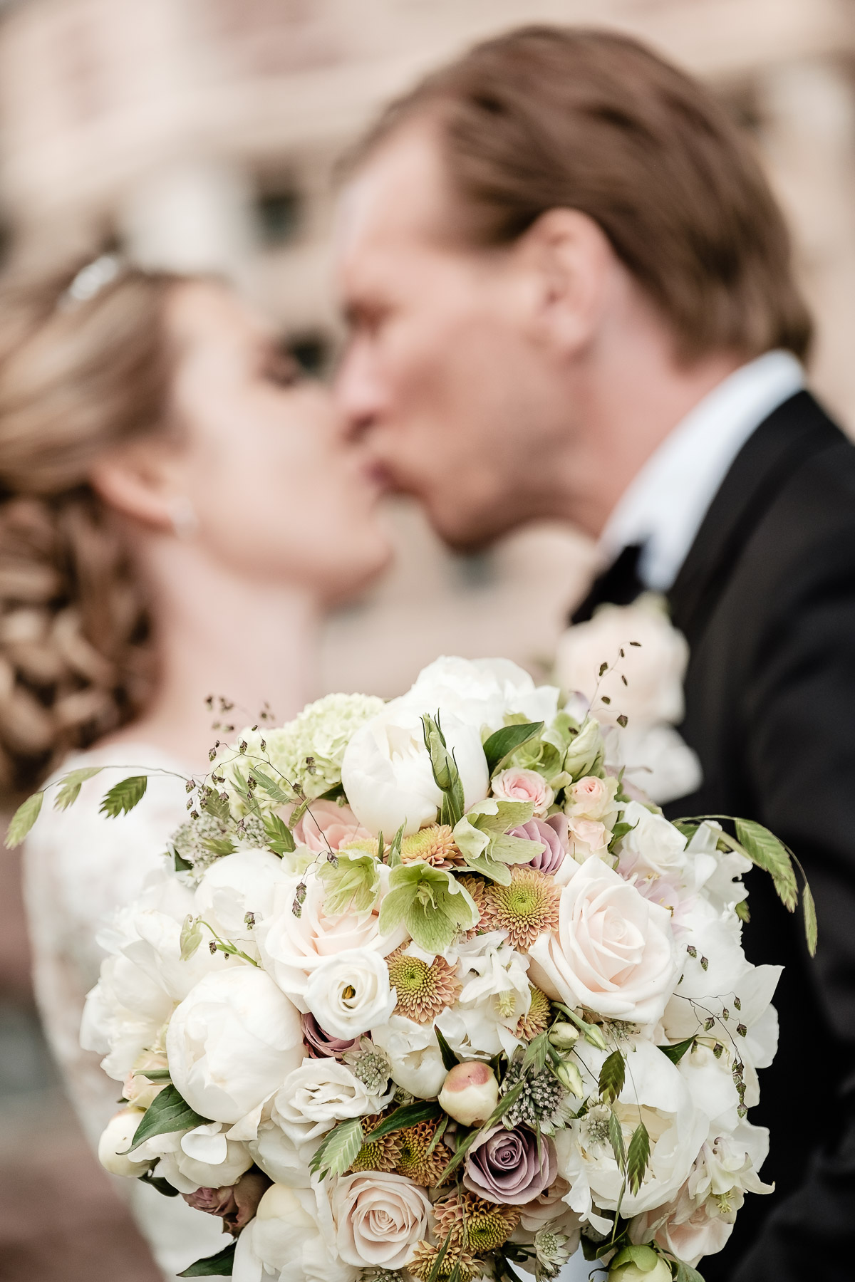 Click to enlarge image hanna&andreas-tjoloholmsslott-ottossonphoto-1031.jpg